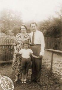 Uri Szmulewicz z rodzicami: Niną i Mosze w Rabce, 1934 rok.